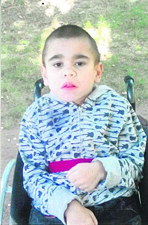 Маленький никопольчанин заболел редчайшей болезною Хантера: он медленно умирает