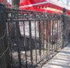 Забор парка Победы стал металлоломом