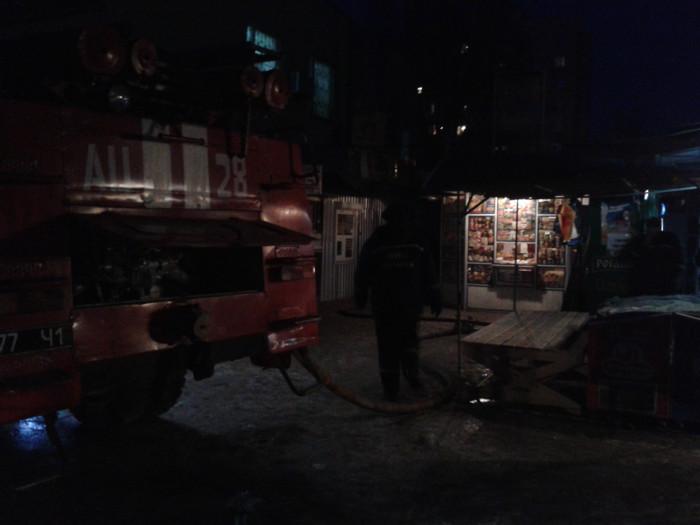 """Пожар на рынке р-н """"Кристалл"""" (фото)"""