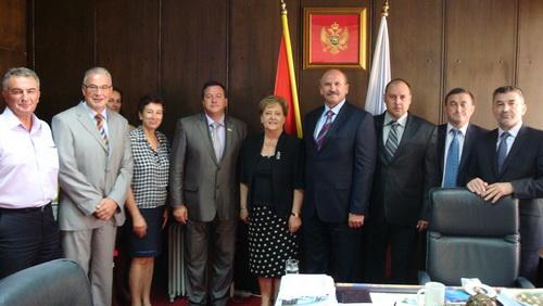 Никопольская организация Партии регионов оказала помощь братскому городу Котор в Черногории