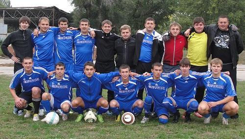 На футбольные поля Никополя вернулся большой футбол