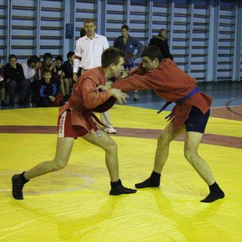 В Никополе прошли престижные соревнования по самбо