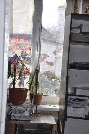 Редакцию газеты «ГОРОД Никополь» обстреляли (обновлено, добавленно видео)