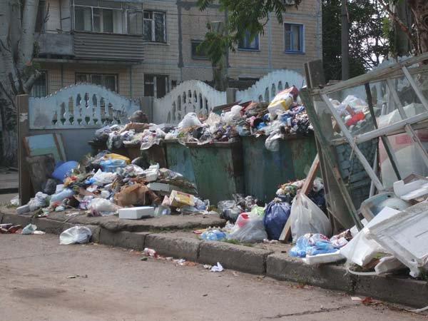 Общежитие Черноморского флота в Севастополе утопает в мусоре - Цензор.НЕТ 8732