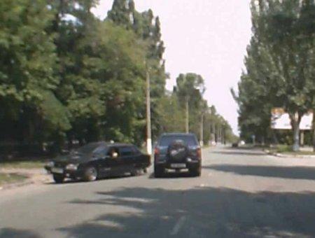Нелепое ДТП (фото, видео)