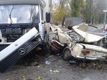 Смертельное ДТП в Никополе. Двое пострадавших