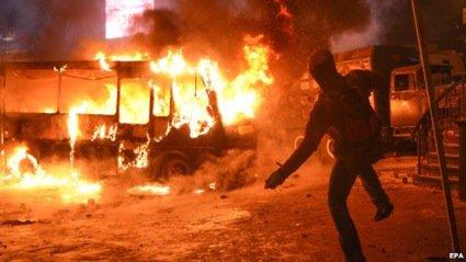 Янукович закликає демонстрантів не піддаватися на заклики до насильства
