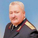 Кожен, хто захищає злочинну владу, піднімає зброю на людей є ворогом України