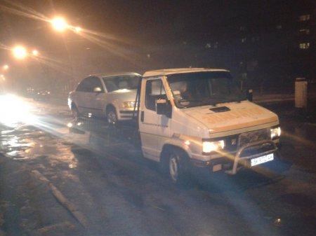 Социально-экстремальный Никополь. Вместе со снегом уходят дороги и машины